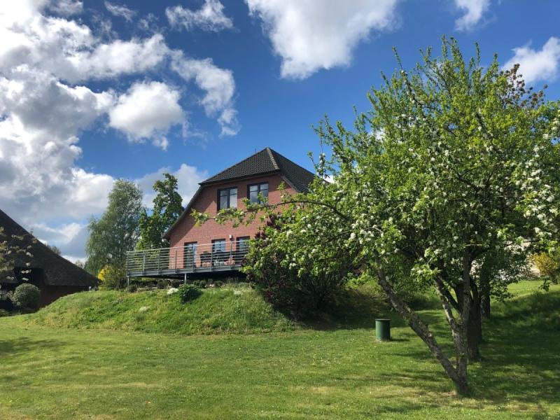 Große & exklusive Ferienwohnung am See mit Seeblick