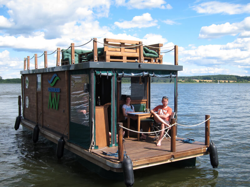 Hausboot Mecklenburger Seenplatte / Floss D9 style in Wesenberg